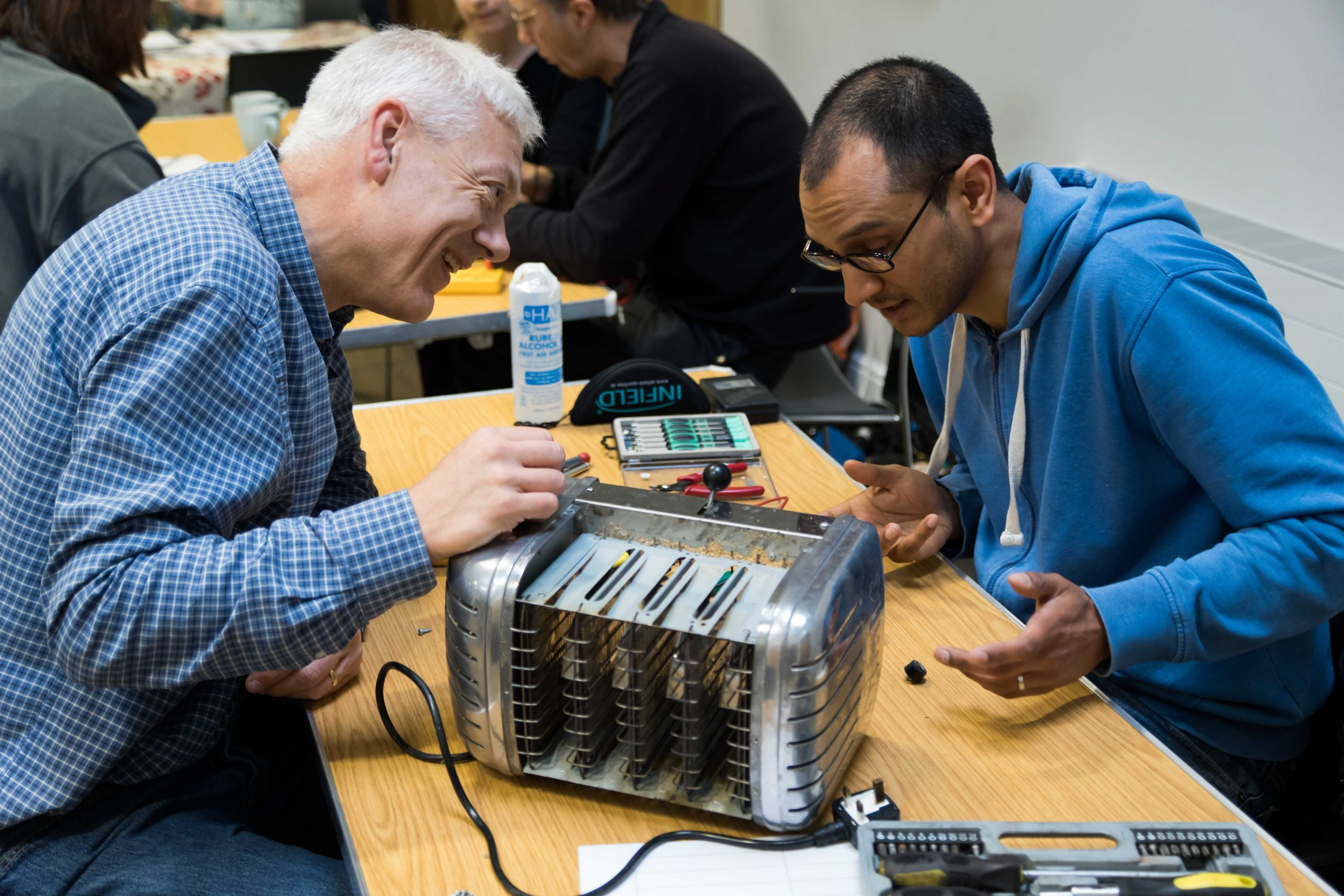 An extra special filmed Repair Cafe at Makespace
